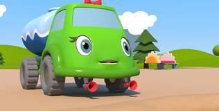 Синий трактор на детской площадке - 10 серия. Канава