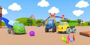 Синий трактор на детской площадке - 13 серия. Боулинг